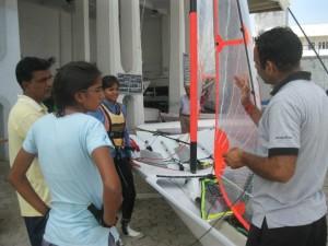 Sandip Jain giving tips to 29er girls !