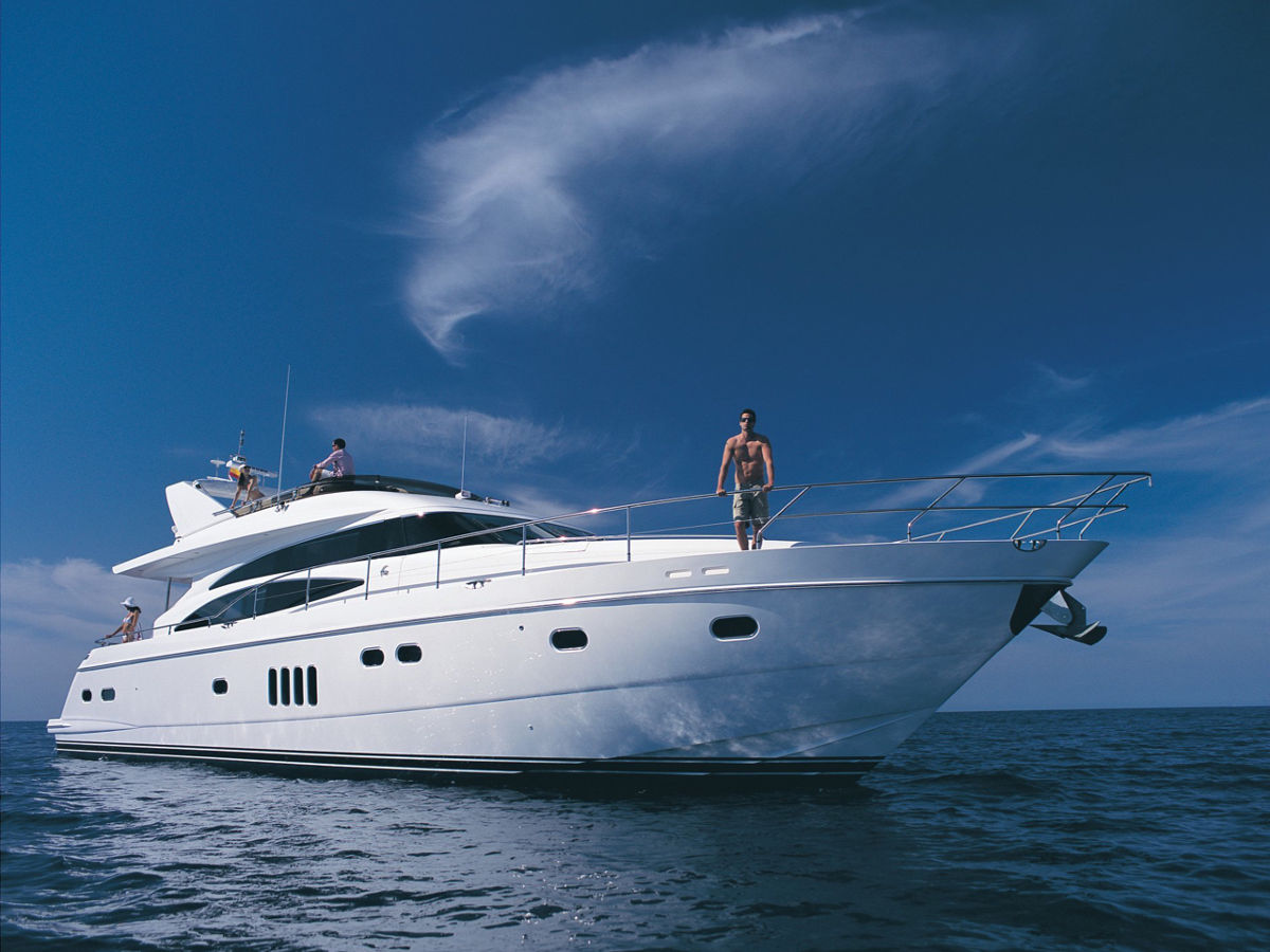 Luxury Yacht on Charter and Rent in Mumbai